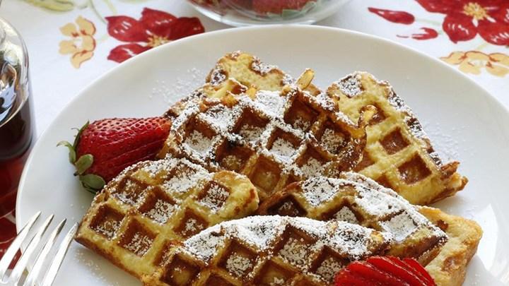 Easy French Toast Waffles
