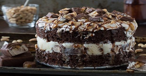 Snickers Bar Ice Cream Cake Recipe
